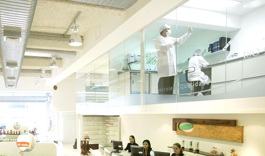 laboratório de controle de qualidade farmácia de manipulação fórmula ativa