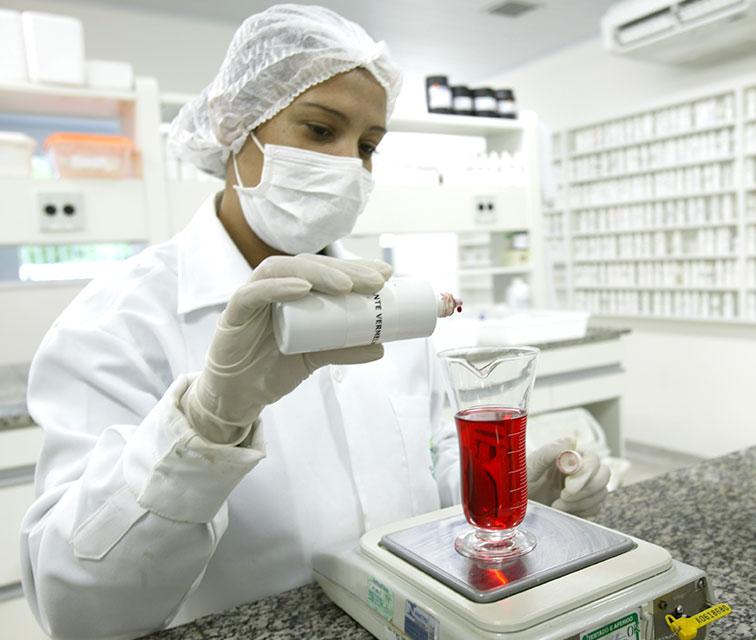 laboratório de líquidos farmácia de manipulação fórmula ativa